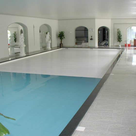 Copertura per piscine interne a tapparella